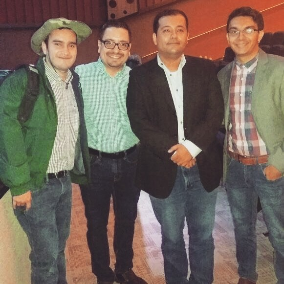 With the director and part of the cast of the play El libro abierto